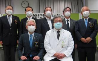 淀川区の十三市民病院に「フェイスシールド5000枚、防護服180枚」を寄贈(新大阪ロータリークラブ)