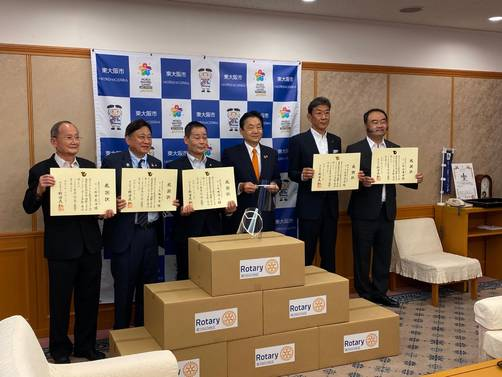 東大阪のものづくりノウハウで開発したフェイスシールドを東大阪市歯科医療機関に寄贈(東大阪RC)